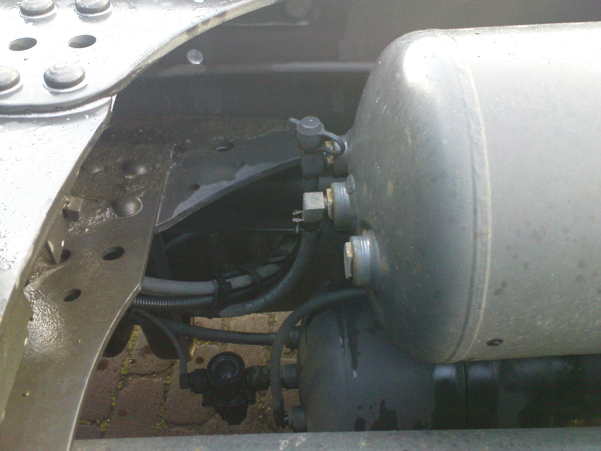 Pascals 2006 Mercedes Benz 1836 Ls Train Horn Install